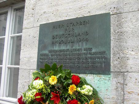 1200px-Plaque_on_Memorial_to_the_German_Resistance,_Berlin